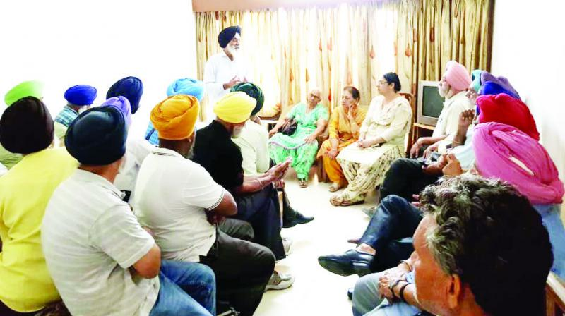 Addressing the Meeting, Gurinder Singh Mehndiratta