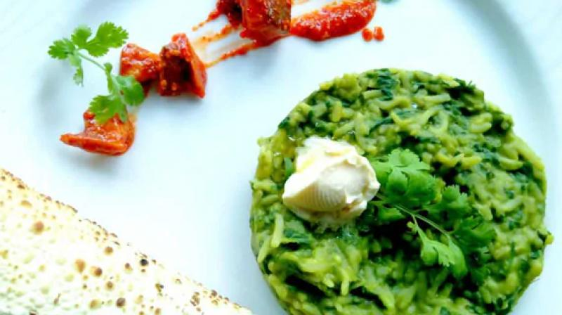 Get a healthy fix of proteins in this palak dal khichdi recipe inside