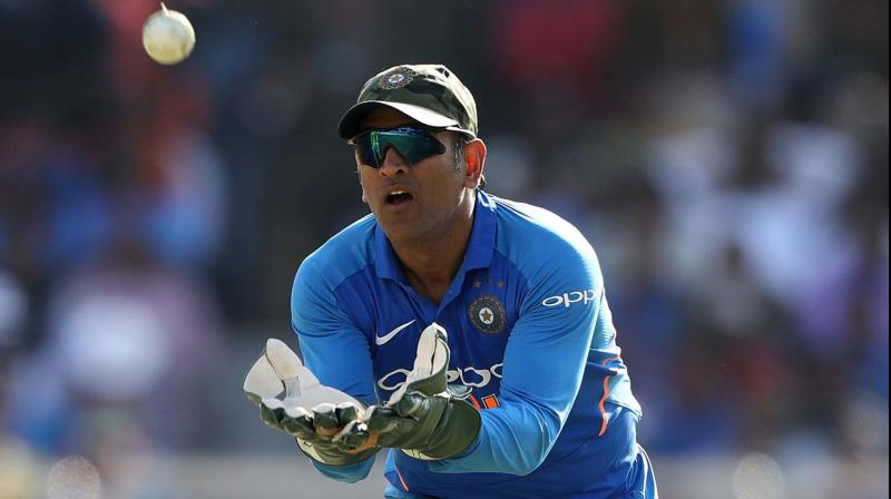 Ms dhoni using bats of different logo in world cup bas ss sg