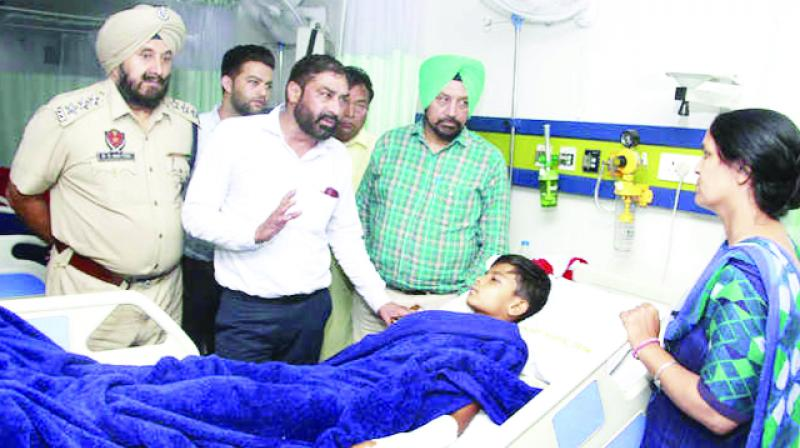 Rajkumar Hans asking the child's condition