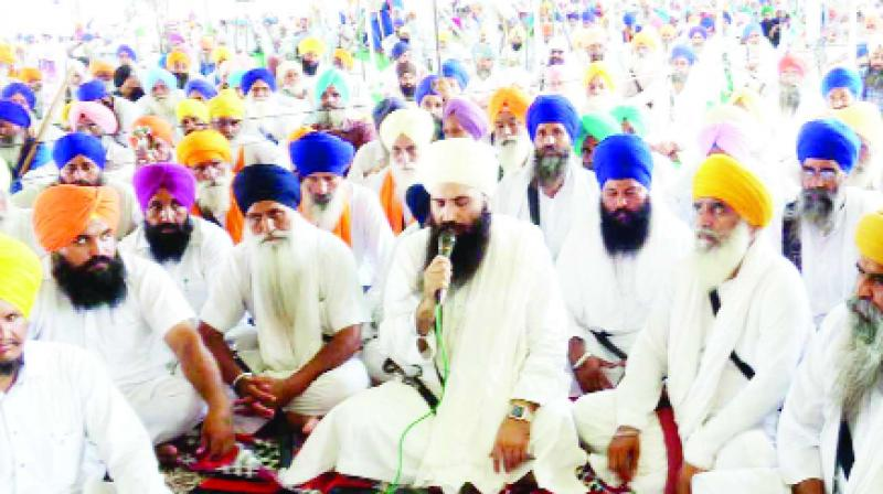 Badals have betrayed the nation by Paying the bail of the Sadh lovers : Daduwal