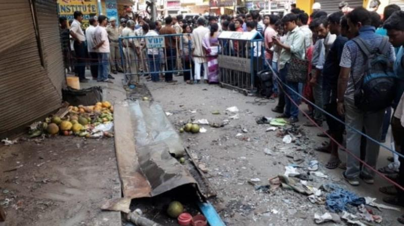 2 killed, 4 hurt in crude bomb attack in Bengal's
