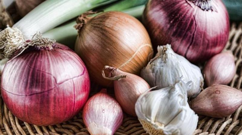 Breast cancer risk less with garlic and onion
