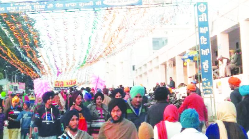 A large number of sangat commenced from the country abroad for the Shahidi Sabha