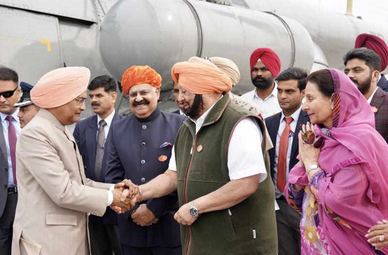Captain Amarinder Singh, V.P. Singh Badnore and Preneet Kaur receiving and welcoming the President of India Ram Nath Kovind at Helipad
