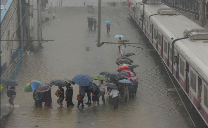 Heavy rains continued to lash Mumbai