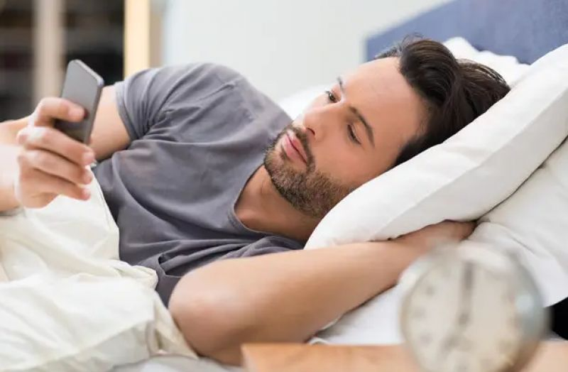using cell phone early morning is harmful for body