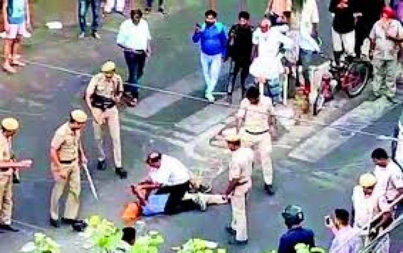 Delhi cops beat up Sikh driver