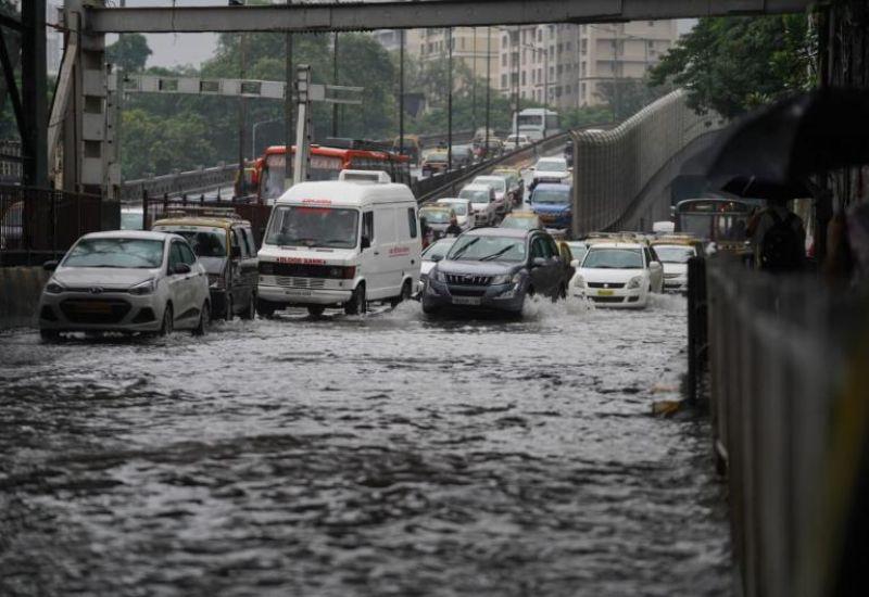 Heavy rains continued to lash Mumbai